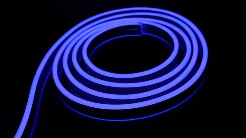 Преимущества гибкого неона и сравнение со светодиодной лентой