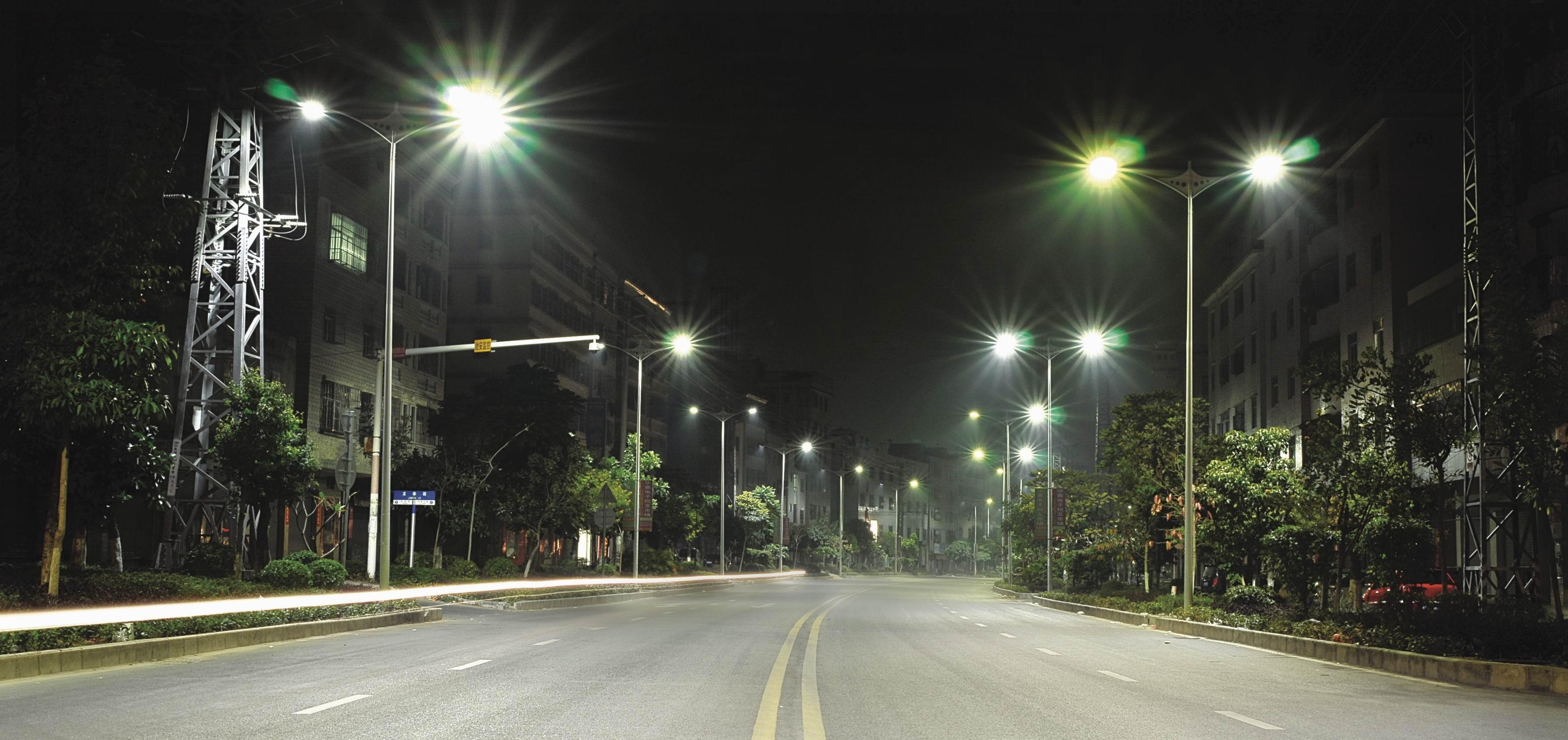 высота уличного фонаря